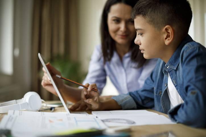 Using TeacherMade App to create interactive worksheets online